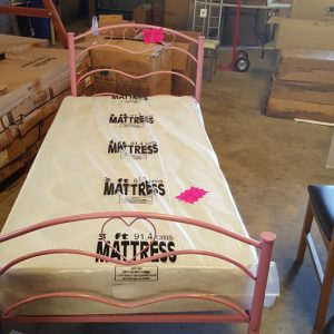 Rose Metal frame bed 120€  mattress 120€