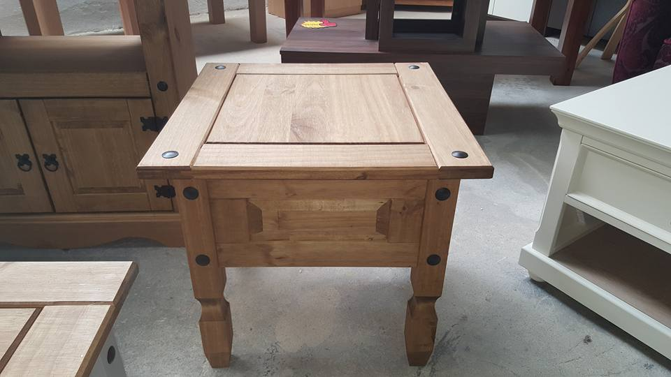 New Corona pine side table 120€