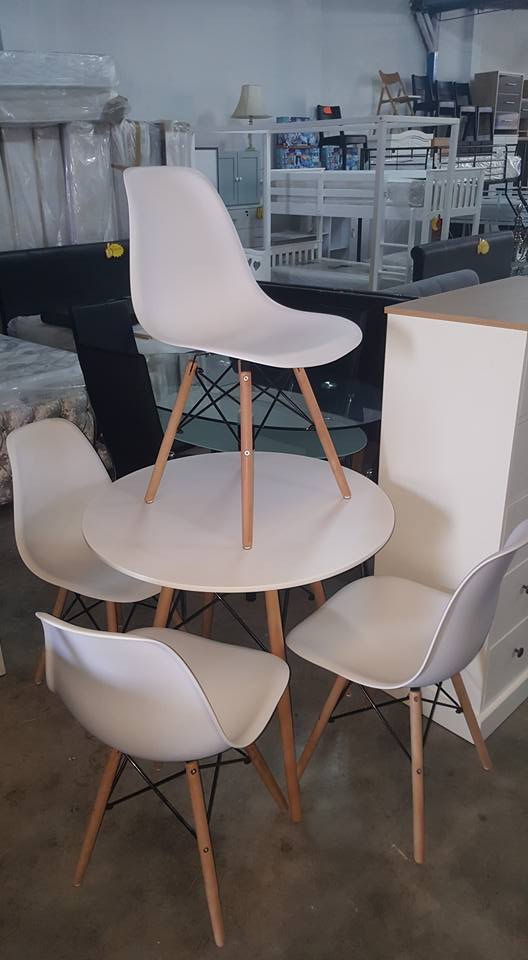 NEW Denmark White Round Dining Table + 4 Chairs 199.99u20ac