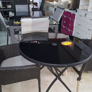 new garden table plus 2 chairs 165€
