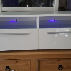 white high gloss with led lights 149.99